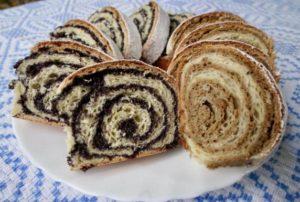 けしの実のロールケーキ
