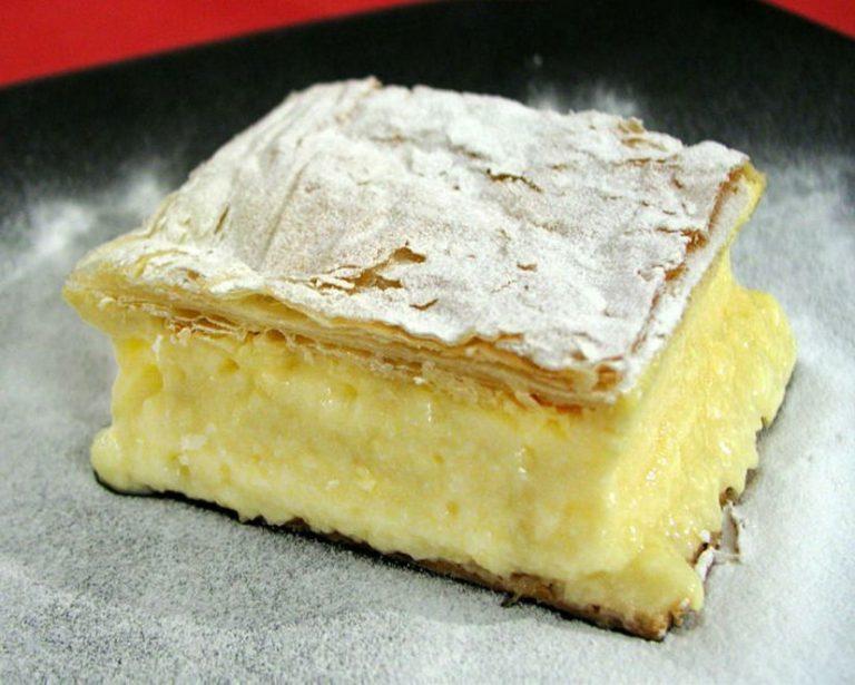 クロアチア旅行で外せない名物スイーツ!クレームシュニッタ(Kremšnita)レシピ
