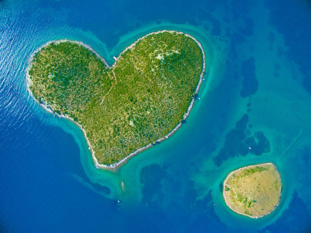 ガレシャニャク島以外にもあった!ハート型のクロアチアの島々が
